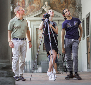 study photography in italy in english